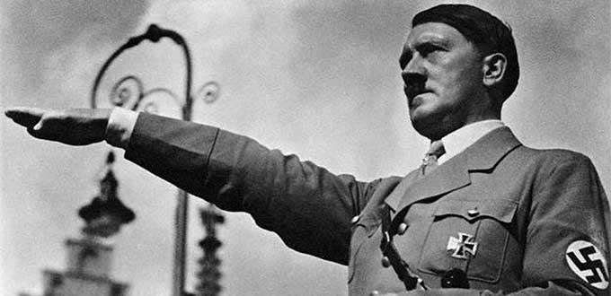 Resultado de imagen para Investigan a un individuo por emular a Hitler en su ciudad natal
