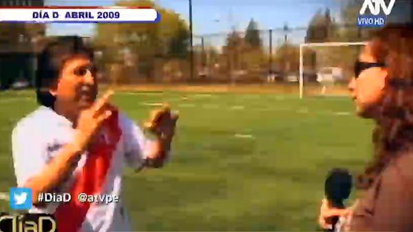 Toledo jugando al fútbol en el campus de Stanford