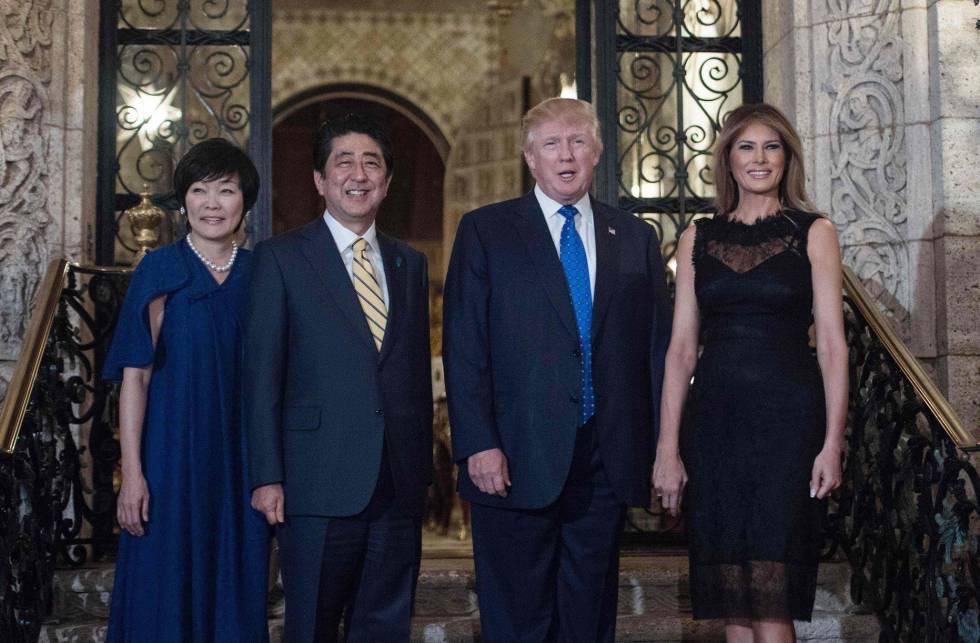 Los líderes de EE UU y Japón junto a sus esposas.