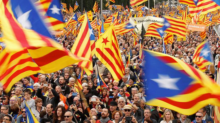 España: El Tribunal Constitucional corta las vías hacia el referéndum de independencia en Cataluña