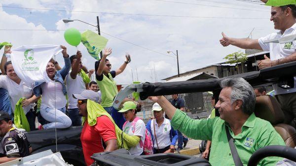 """""""Venimos a hablar del futuro que con ustedes lo vamos a hacer mucho mejor todavía"""", dijo Moreno (Reuters)"""