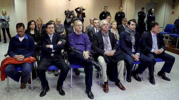 El resto de los acusados en la trama de corrupción (Reuters)