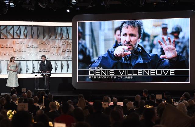Denis Villeneuve, junto a Amy Adams en los premios del sindicato de directores.