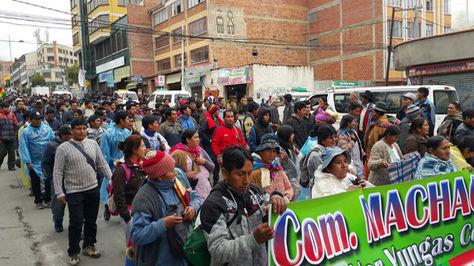Manifestación de los cocaleros de Adepcoca por arterias del centro paceño. Foto: La Razón