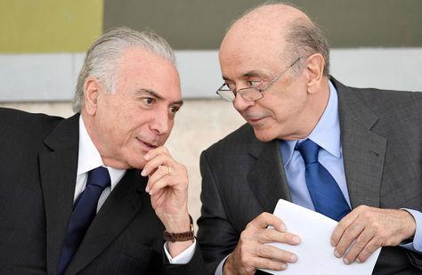 El presidente brasileño Michel Temer y el canciller Jose Serra