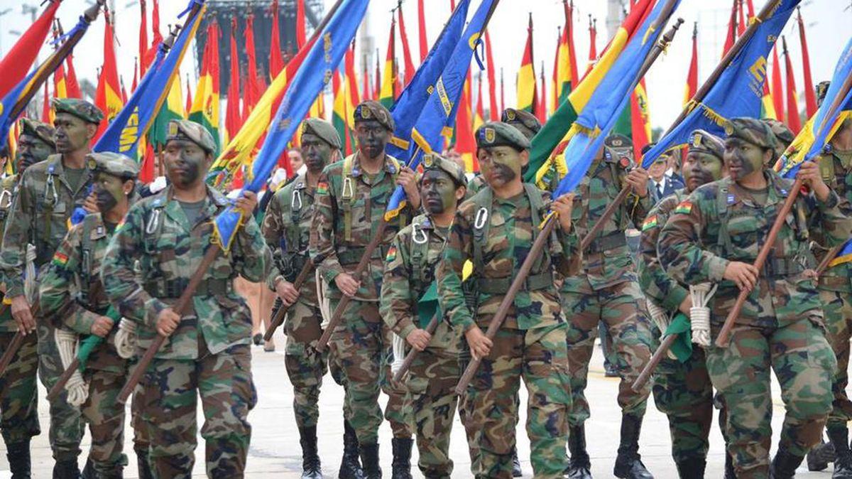 Resultado de imagen para Así forma Bolivia a los militares en su escuela antiimperialista