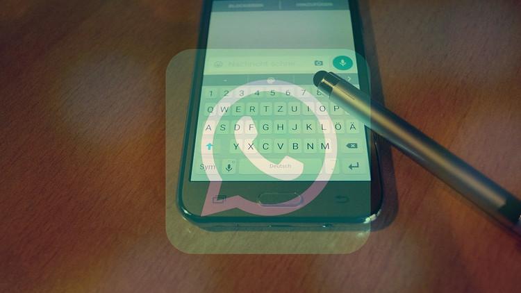 7 riesgos que conlleva la nueva función 'estados' de WhatsApp