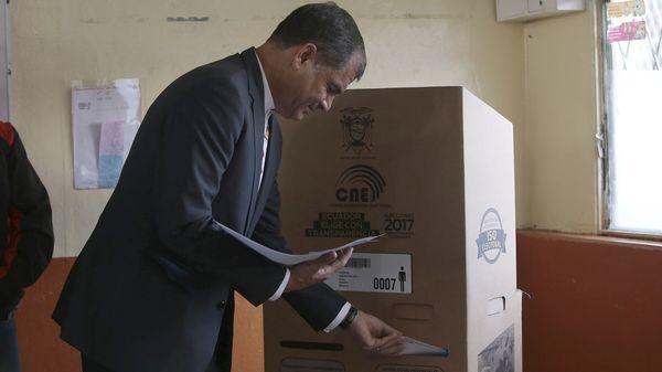 El presidente Rafael Correa prometió jugarse entero en la campaña del ballotage a la que comparó con la Batalla de Stalingrado