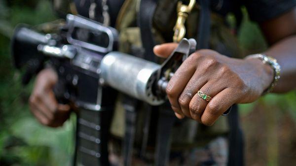 Pese a comenzaron diálogos de paz con el Gobierno, el ELN no abandonó las armas e intensificó los ataques contras las Fuerzas de seguridad (AFP)