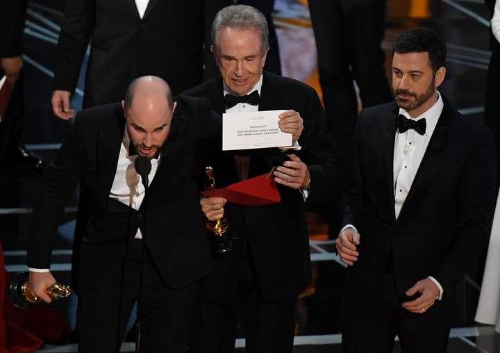Oscar 2017: la verdad de lo que sucedió con el sobre de Mejor Película