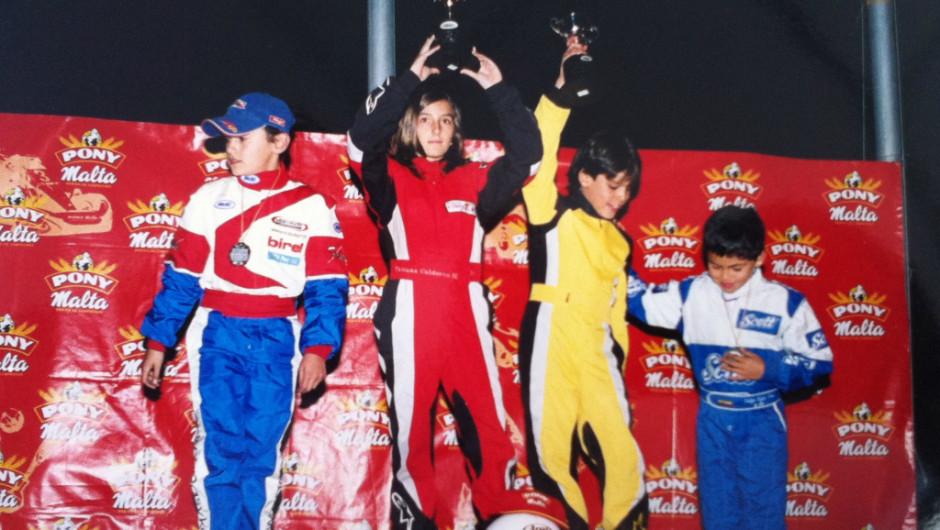 Calderón empezó a correr autos cuando tenía 9 años. Aquí en una competencia de karts en Colombia cuando tenía 11 años. (Crédito: Archivo Particular)