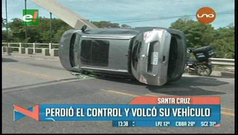 Accidente provocó trancadera en el puente Urubó