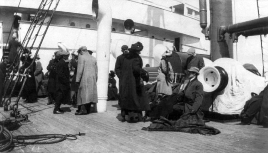 Los supervivientes del Titanic, a bordo del Carpathia. (Cordon Press)