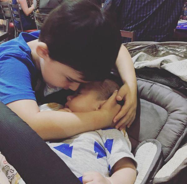 Pese a que Blanksby agradece tener a su hijo junto a ella todos los días, a veces no puede con el dolor que causa la anticipación de su muerte (Instagram)