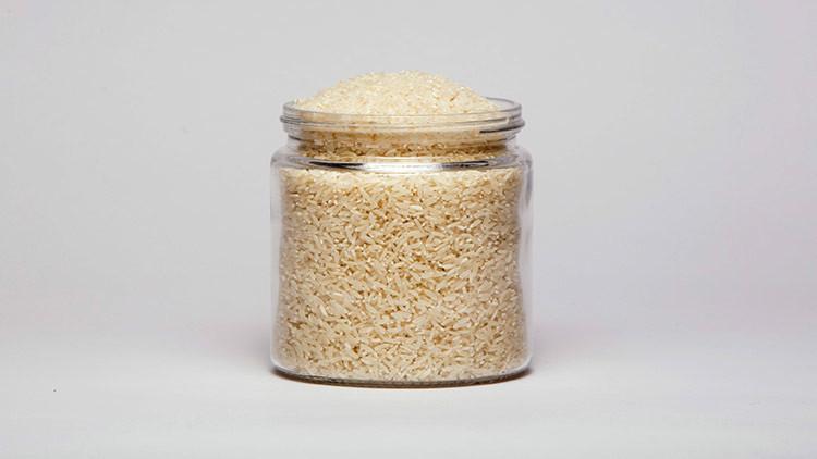 Encuentran arroz de plástico en los mercados de Kazajistán (VIDEO)