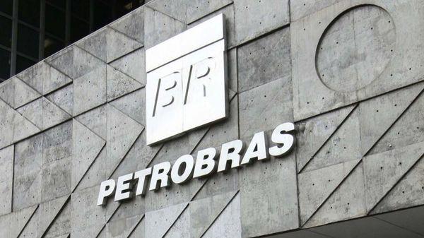 El caso de la corrupción en Petrobras salpica a muchas figuras de la política brasileña
