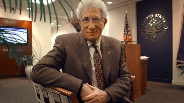 Luego de su paso por los gobiernos de Nixon y George H. W. Bush, Solomon continuó su carrera en centros de estudios como Rand Corp o el Instituto para la Paz. (The Washington Post)