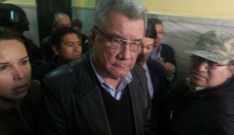 El exprefecto de Pando Leopoldo Fernández tras abandonar el Tribunal donde se dio lectura a la sentencia. Foto: Dennis Luizaga