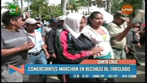 Santa Cruz: Gremiales marcharon  en rechazo al traslado de mercados