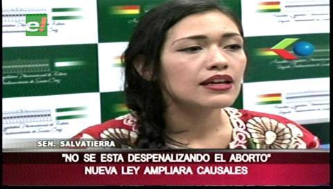 Senadora del MAS aclara que norma no despenaliza el aborto sino prevé ampliar las causales