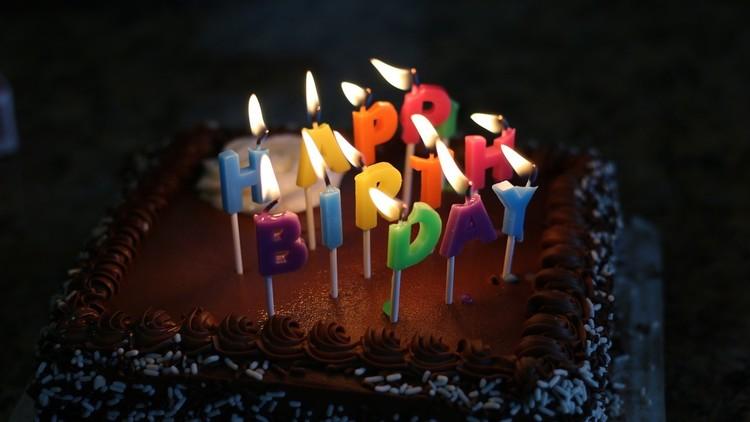 Un hombre muere después de que ninguno de sus amigos acuda a su fiesta de cumpleaños