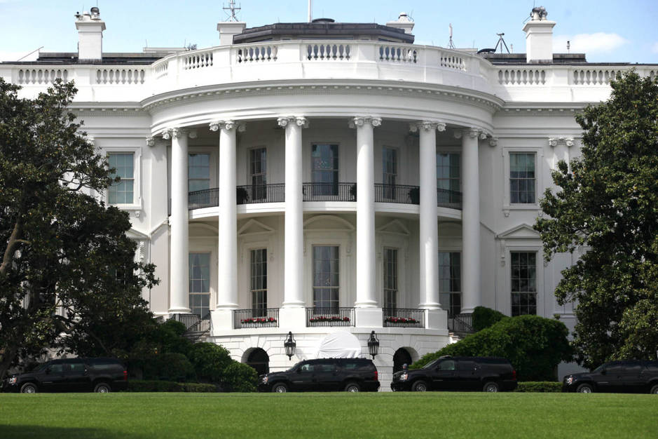 El convoy del presidente Trump regresa a la Casa Blanca, el 14 de mayo de 2017. (Reuters)
