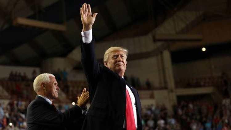 El presidente Donald Trump comenzará el sábado su gira con una visita a Riad (REUTERS)