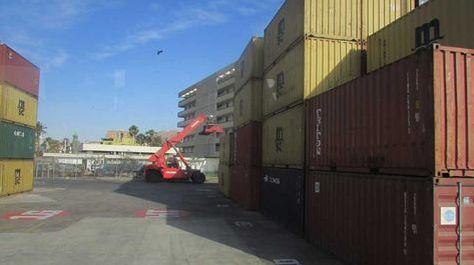 Vista general del movimiento comercial en el puerto de Arica-Chile. Foto: Micaela Villa - archivo