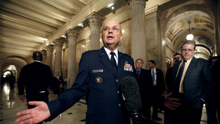 Exdirector de la CIA afirma que Trump es visto como un
