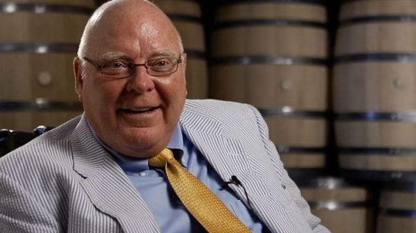 John Joseph Boswell, el dueño de la fábrica de barriles para la industria alcohólica más grande del mundo