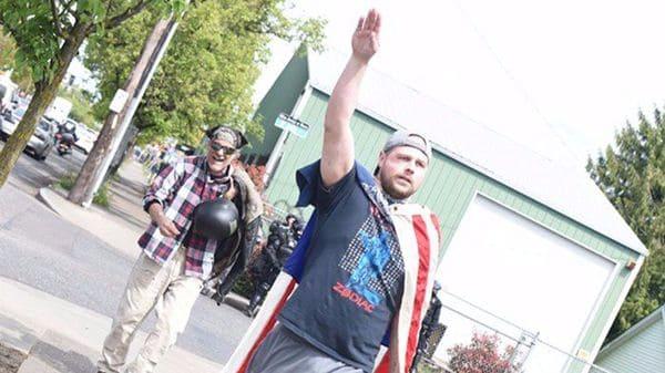 Un periodista de Oregonreveló que Joseph Christianparticipó en una marcha de supremacistas blancos en Portland el pasado 29 de abril