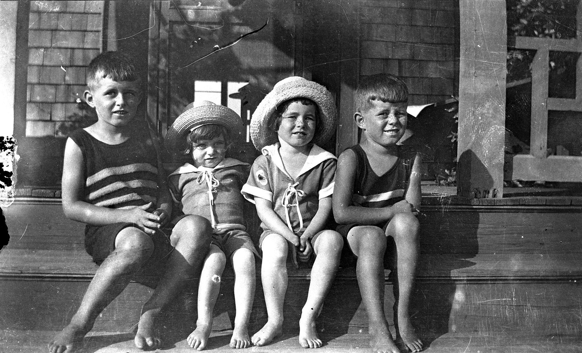 Cuatro de los hermanos Kennedy en Massachusetts 1928:Joseph Jr., Kathleen, Rosemary y John Fitzgerald, futuro presidente (Reuters)