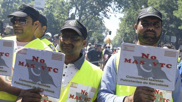 Los taxistas reclamaron contra Uber y Cabify (AFP)