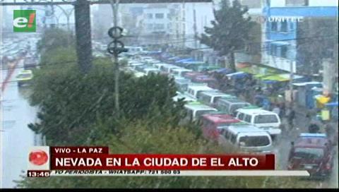Cae nevada en La Paz ; afecta vuelos y viajes por carretera