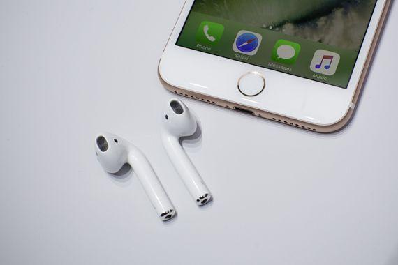 090716-apple-airpods-6906.jpg