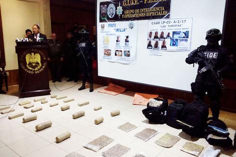 Carlos Romero presenta la droga incautada en dos operativos