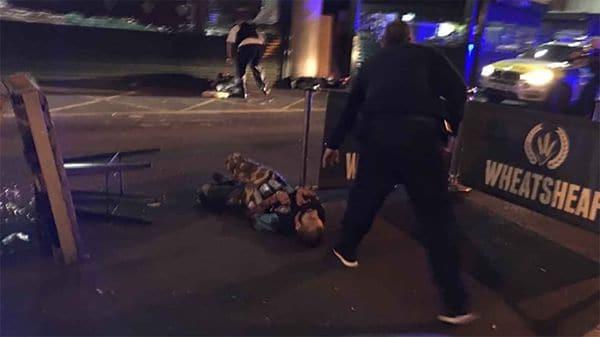 Los tres terroristas fueron abatidos por la policía, que disparó un total de 50 balas (AFP)