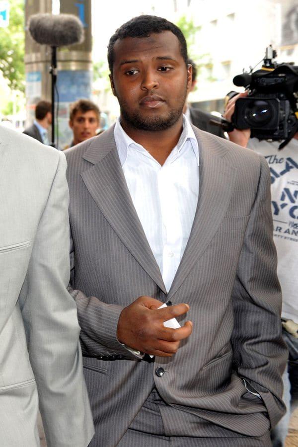 Yacqub Khayresaliendo de la corte en 2010 (Reuters)