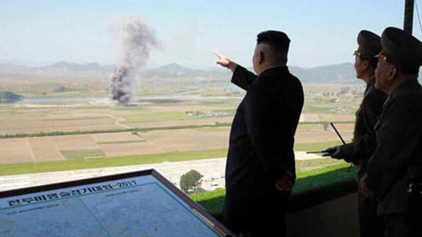 Kim Jong-un encabezó un ejercicio militar en Corea del Norte