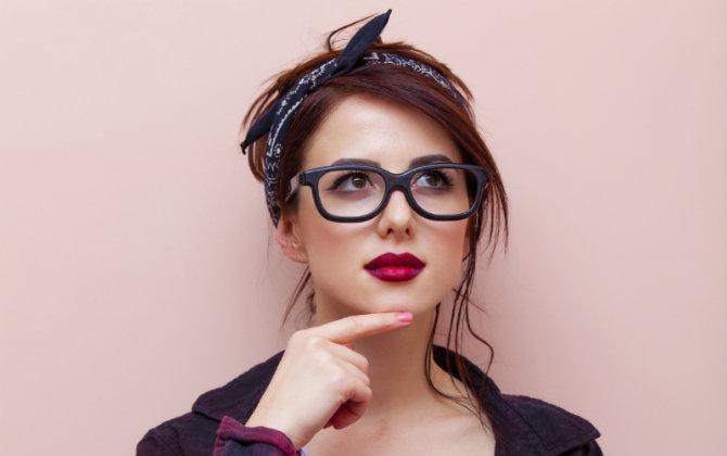 este es el mejor tip de maquillaje para chicas que usan anteojos 3