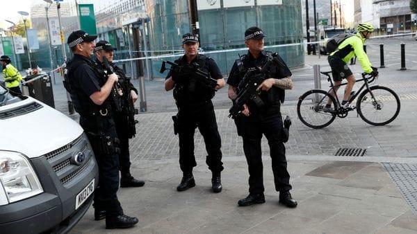 La policía custodia las calles de Manchester. (Reuters archivo)