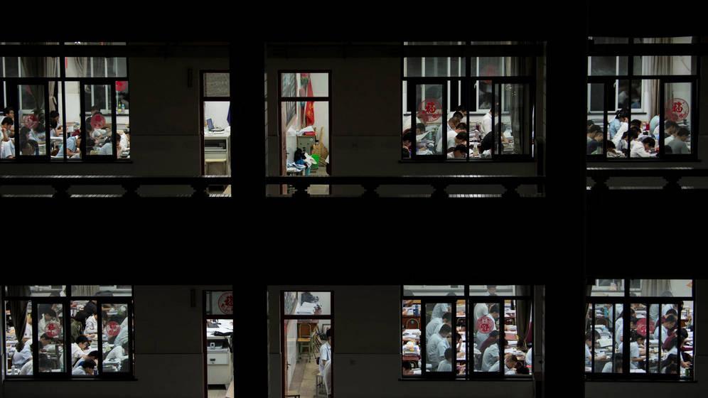 Foto: Estudiantes chinos ultiman su preparación del 'gaokao' este mismo año. (Reuters/Stringer)