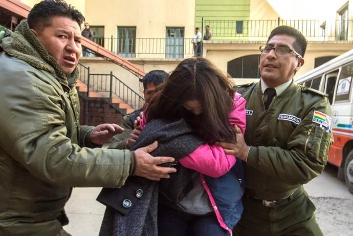 Carmen Tellería es llevada a su audiencia cautelar esta mañana tras ser detenida en Yacuiba. Foto: APG