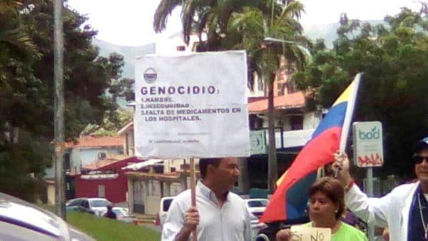 Los manifestantes responsabilizar al régimen de Nicolás Maduro por la crisis sanitaria