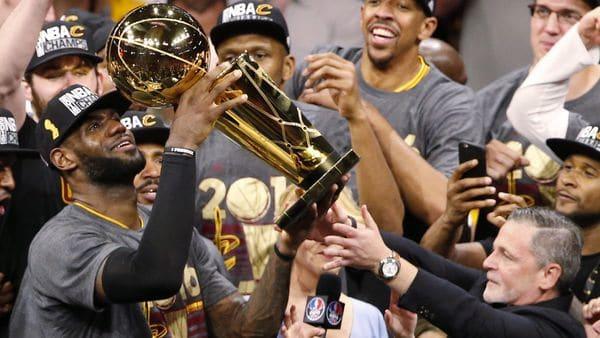 LeBron James conquistó la NBA con Cleveland Cavaliers en 2016 (EFE)