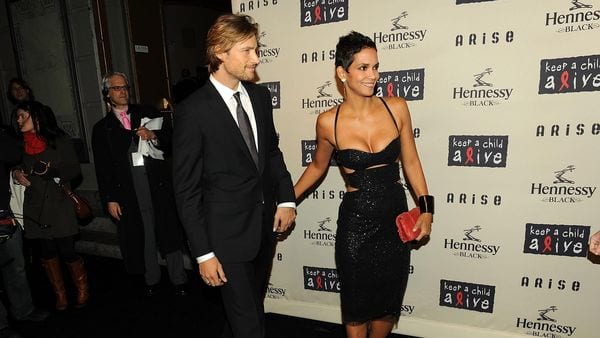 Gabriel Aubry y Halle Berry (Getty Images)