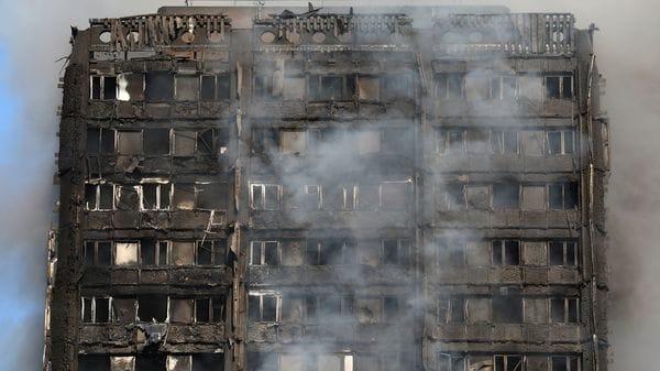 La policía londinense anunció este sábado que considera que el incendio de la torre de viviendas sociales Grenfell causó 58 muertos (Reuters)