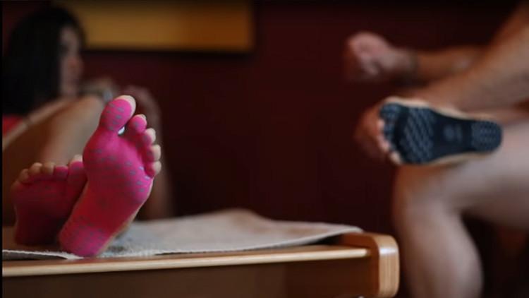 ¡Adiós a los zapatos!: Con 'NakeFit' podrá andar descalzo por cualquier superficie (VIDEO)