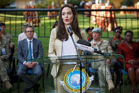 La actriz estadounidense Angelina Jolie, enviada especial de la Agencia de Naciones Unidas para los Refugiados (ACNUR).
