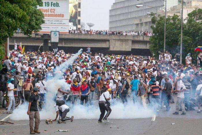 MOMENTOS TENSOS EN VENEZUELA.